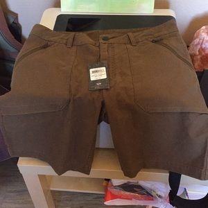 Mountain hardware shorts